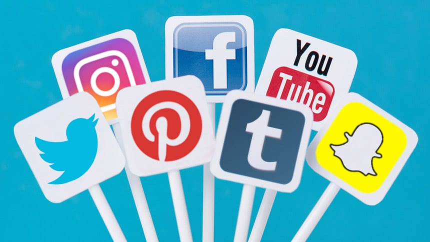 Social Media - Are we subconscious consumers or conscious users?